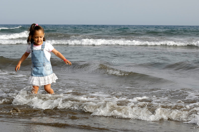 Download Child And Ocean Royalty Free Stock Photos - Image: 2953398