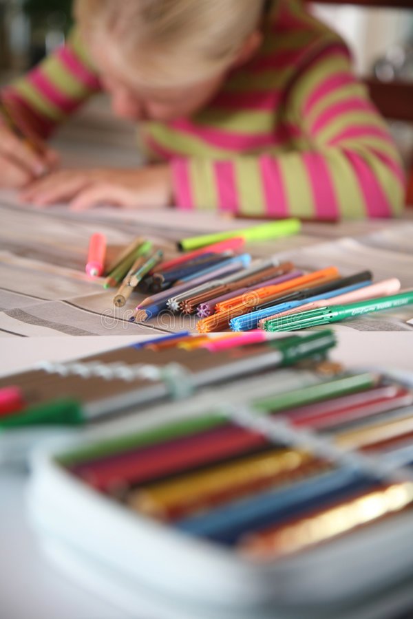 Free Child Reading Writting Stock Image - 4127701