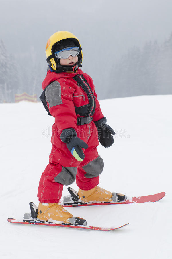 Free Child Skiing Royalty Free Stock Photography - 37283217