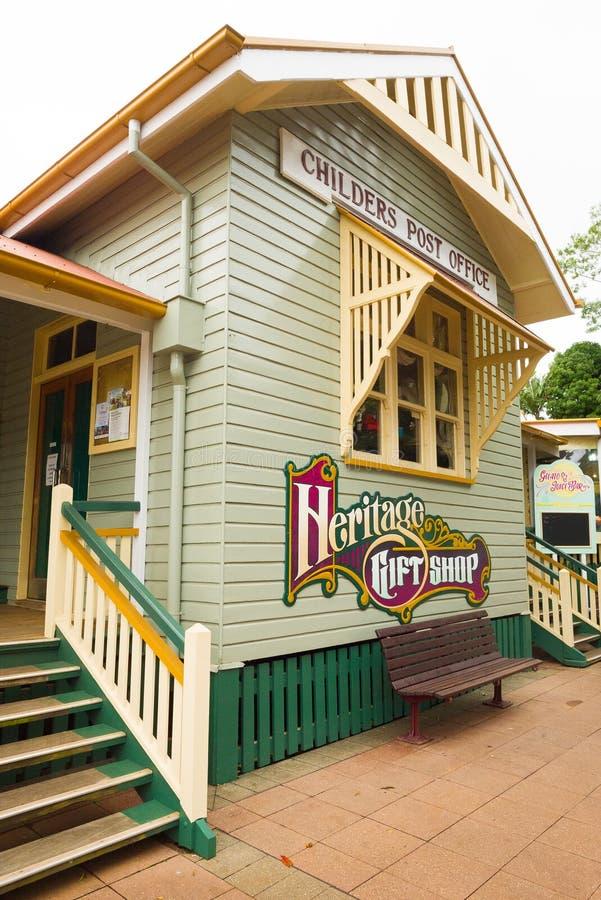 Childers stolpe - kontor och arvpresentaffär i Queensland, Australien arkivbild
