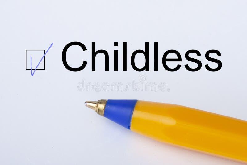 Childness - checkbox med en fästing på vitbok med den gula pennan Kontrollistabegrepp royaltyfria bilder