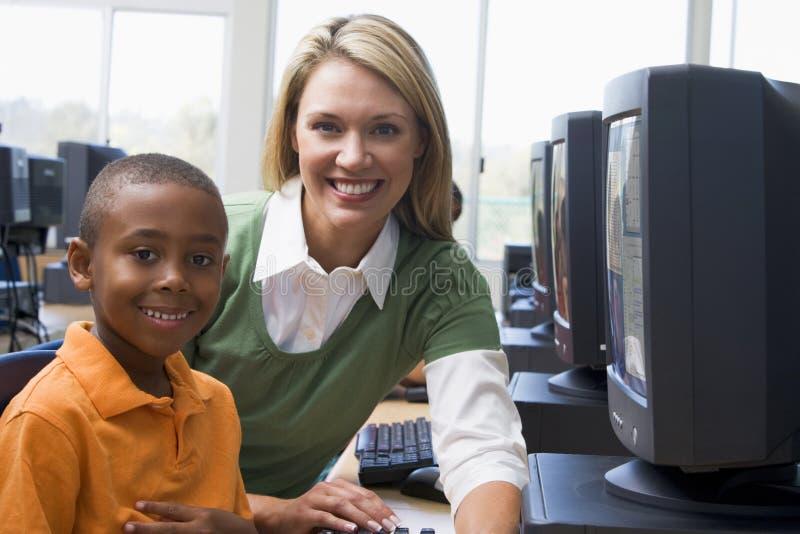 children computers kindergarten learn to use στοκ εικόνα