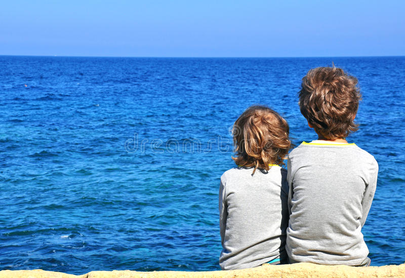 Download Children Looking At Horizon Stock Image - Image: 39566519
