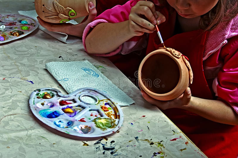 Download Children Painting Pottery 2 Editorial Photography - Image of idea, occupation: 39514637