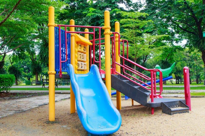 2 children playground royaltyfri bild