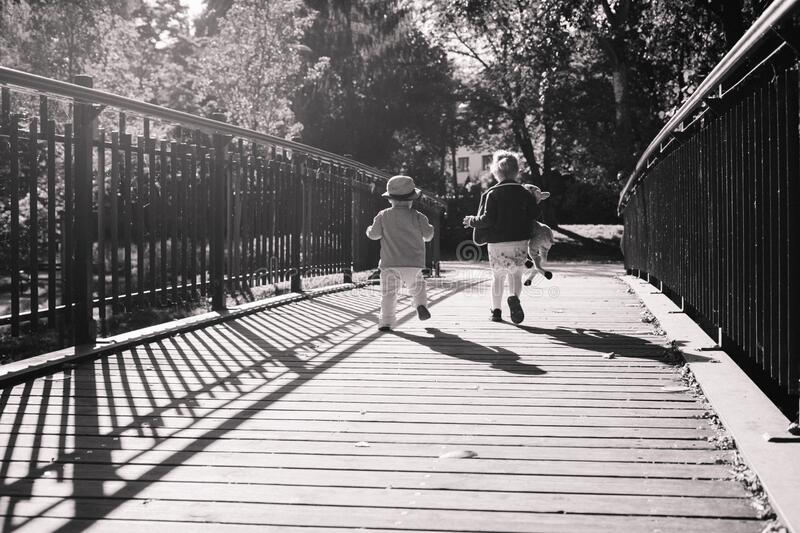 Children Running Together On Wooden Path Way Bridge Free Public Domain Cc0 Image