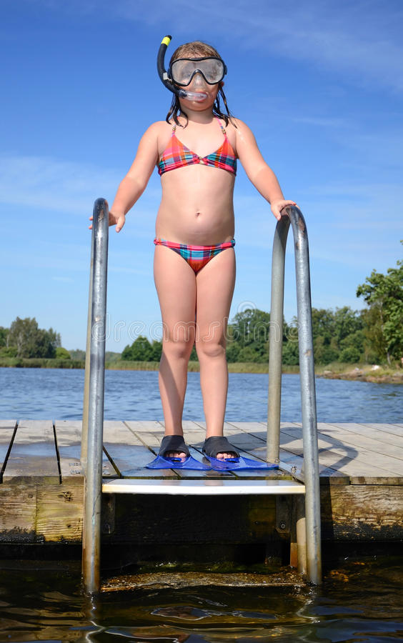 Download Children's Diving Royalty Free Stock Images - Image: 26296079
