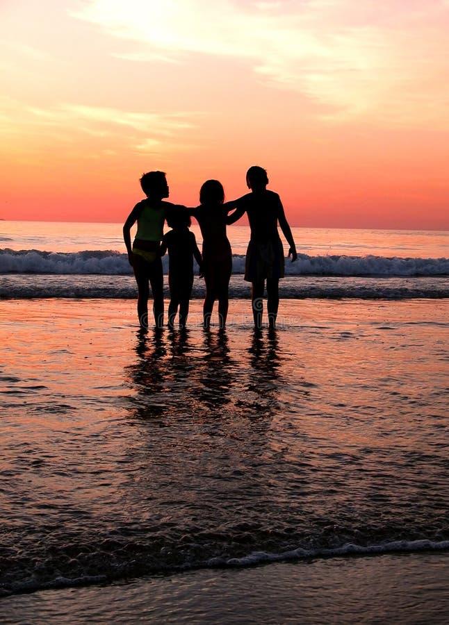 Children´s in het strand royalty-vrije stock foto's