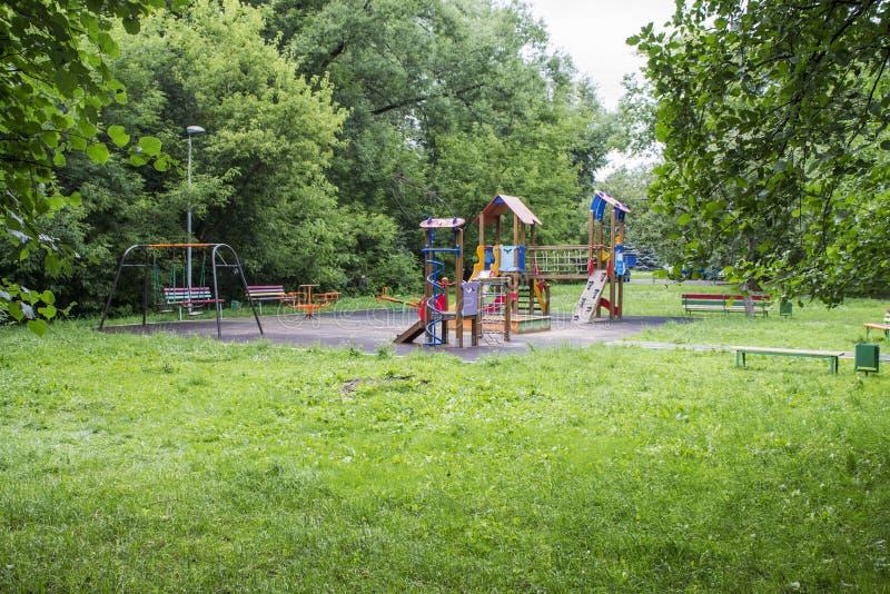 Children& x27; s-lekplats royaltyfria bilder
