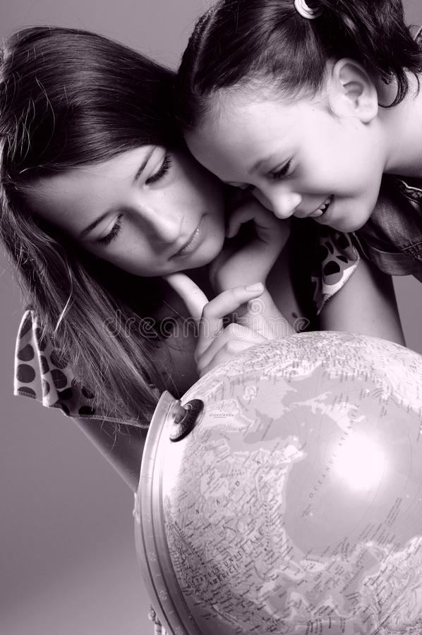 Children Studying Globe Royalty Free Stock Photos