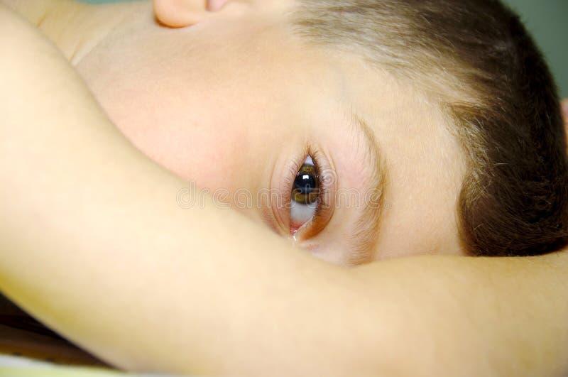 Download Childs μάτι στοκ εικόνες. εικόνα από κουρασμένος, toddler - 119144