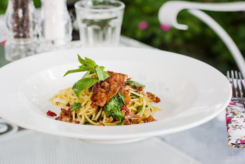 Chili бекона спагетти стоковое фото rf