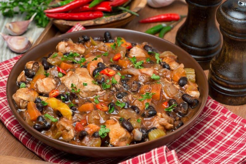 Chili с черными фасолями и цыпленком стоковые изображения rf