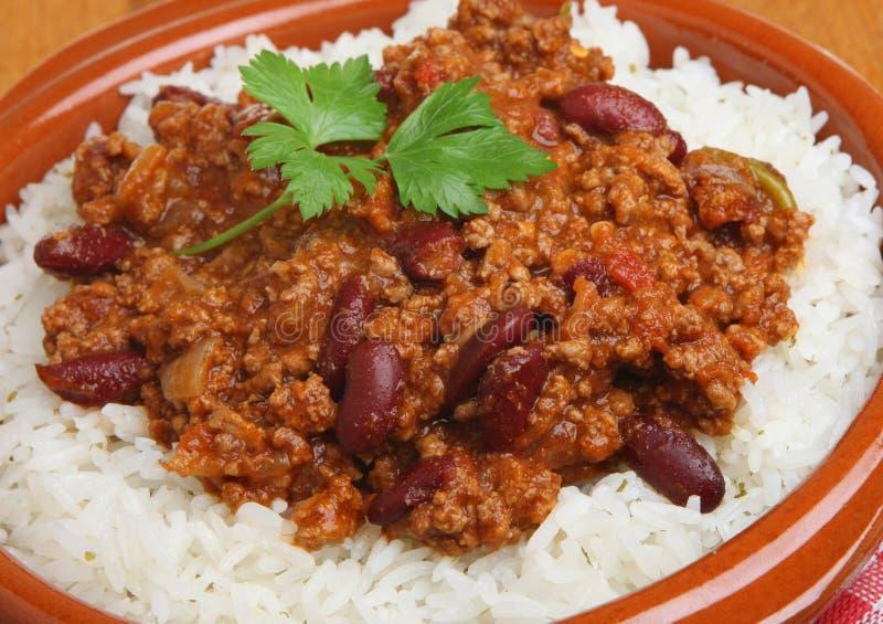 Chili con carne mit Reis lizenzfreie stockfotos