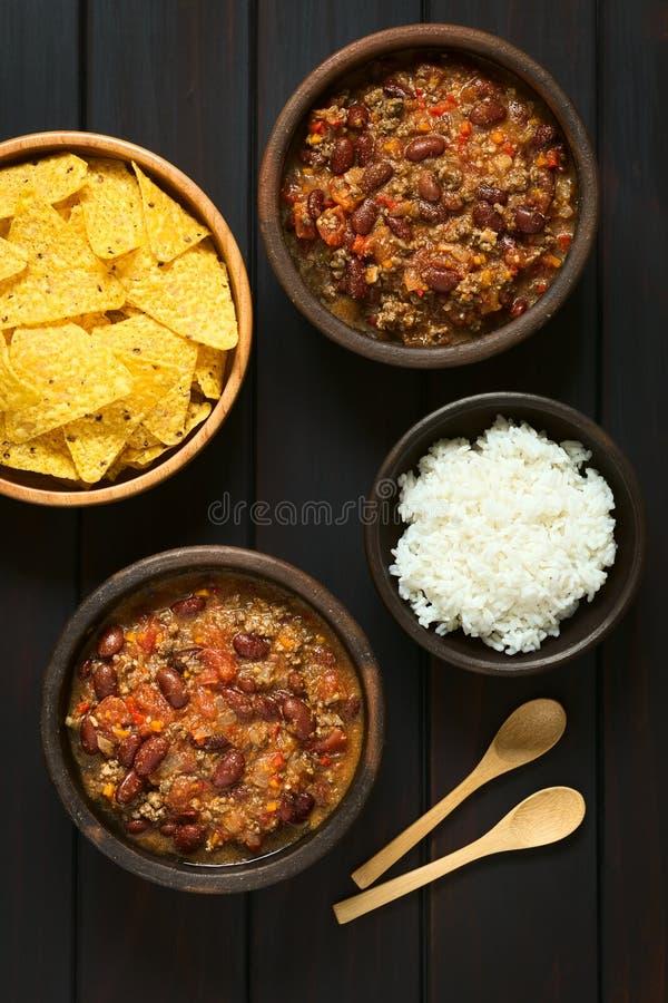 Chili Con Carne z Rice i Tortilla układami scalonymi zdjęcia stock