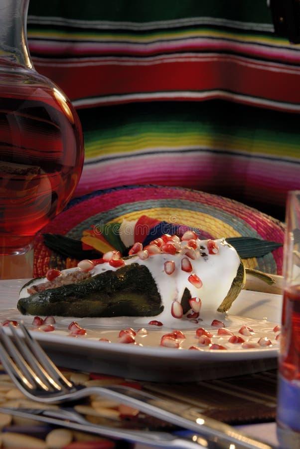 Chili Engelse Nogada stock afbeeldingen