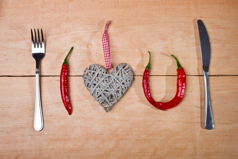 Chili på blåttmaträtt arkivfoto