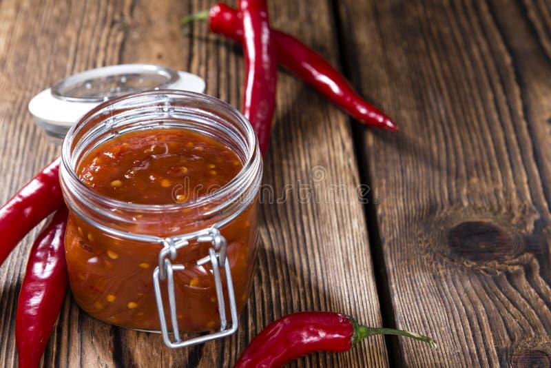 Chili Sauce feito fresco (sambal Oelek) imagens de stock royalty free