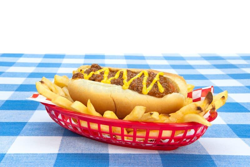 Chilidog no fundo branco imagem de stock royalty free