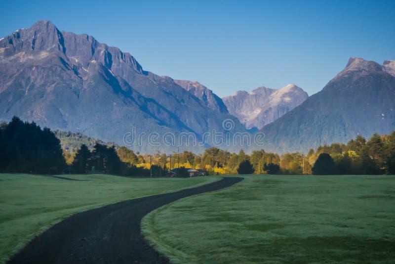 Chilijski Patagonia krajobraz w Pumalin Naturalnym parku fotografia stock