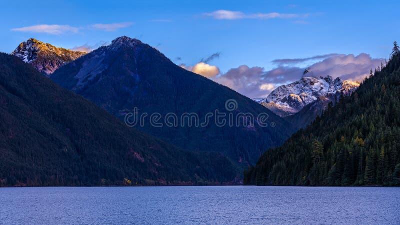 Chilliwack jezioro z góry Redoubt w tle który jest a obrazy stock