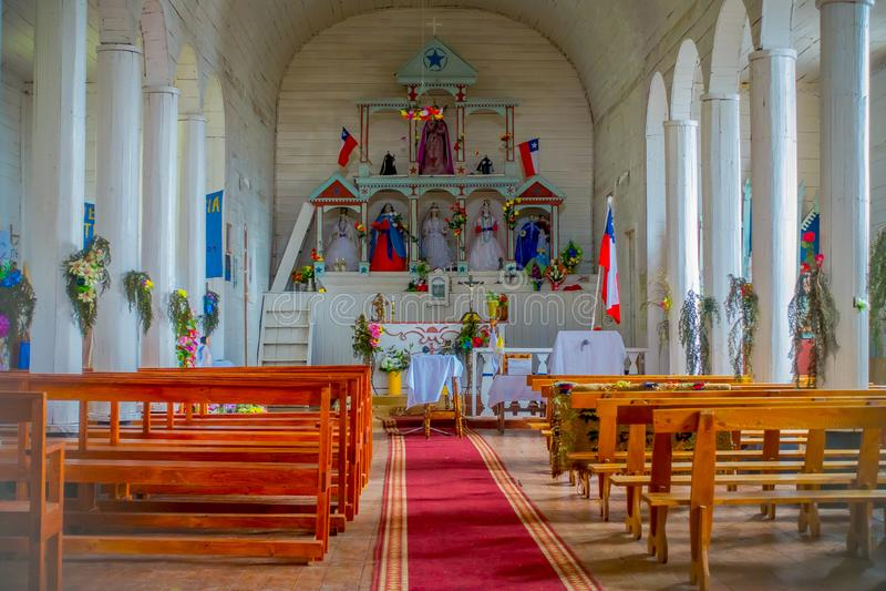 CHILOE, CHILI - SEPTEMBER, 27, 2018: De binnenmening van Jes s van Nazareno-kerk in Aldachildo op Lemuy-Eiland, is één van royalty-vrije stock foto's
