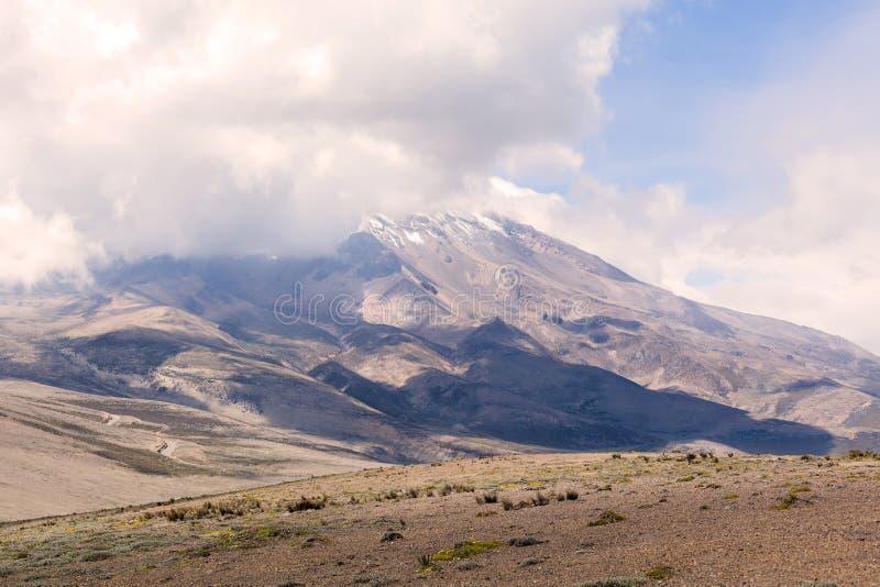 Chimborazo vulkan, Sydamerika royaltyfria foton