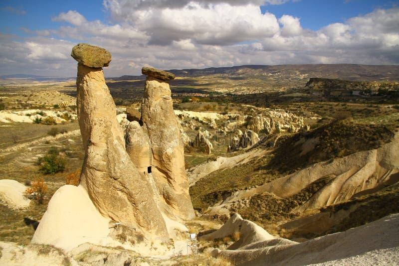 Chimeneas de la hada del ` s de Cappadocia imagenes de archivo