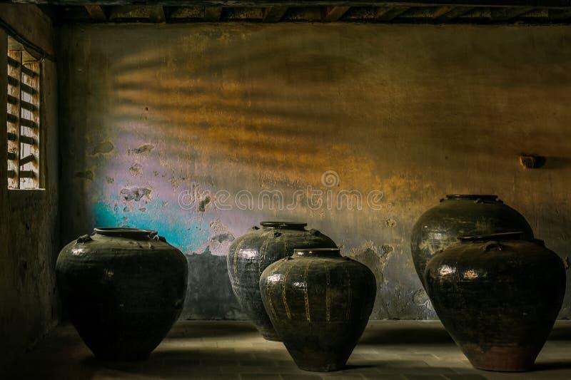 Chinês chinês dos frascos da salmoura do bharani de Cheena usado para trazer salmouras e segurelhas ao rei de Travancore imagem de stock royalty free