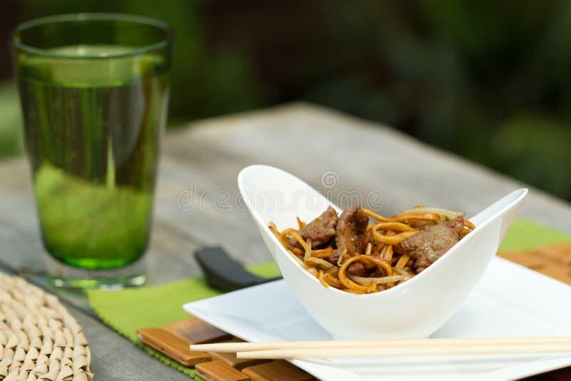 Chinês que janta fora fotografia de stock