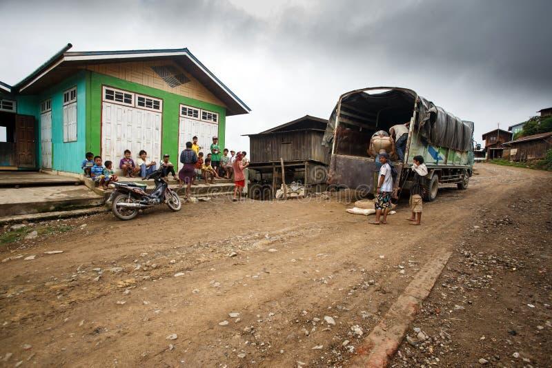 Download Chin State, Myanmar photo éditorial. Image du asie, omnibus - 56476261