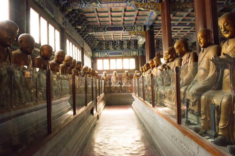 China, Ásia, Pequim, o templo perfumado de Œthe do ¼ do ï do parque do monte de Azure Clouds imagem de stock