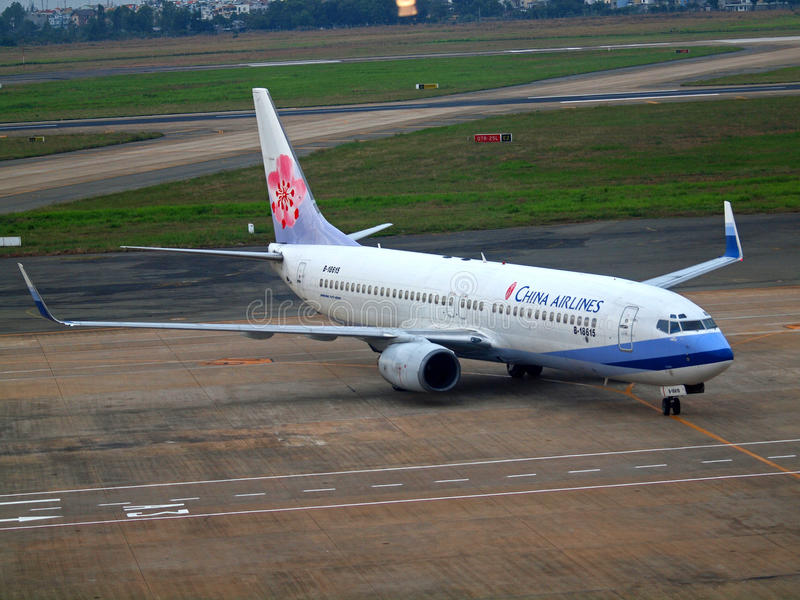 Download China Airlines editorial stock image. Image of landing - 18080479