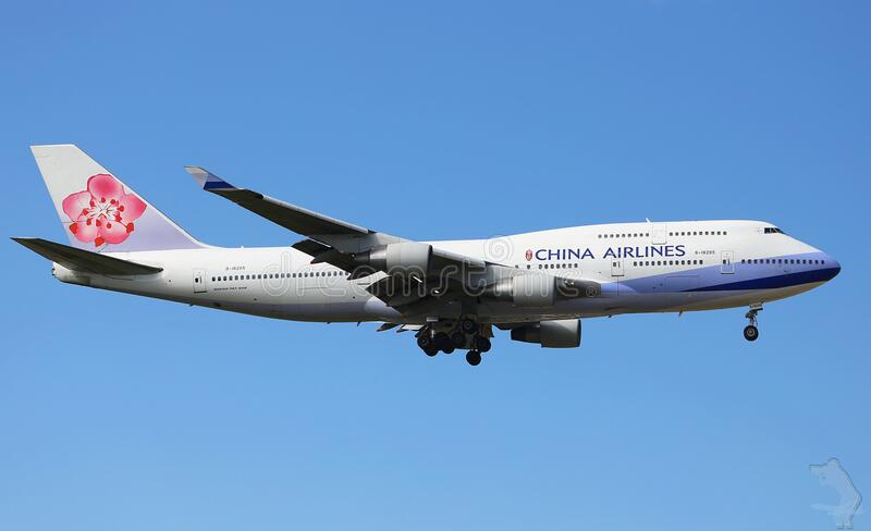 China Airlines Plane In Flight Free Public Domain Cc0 Image
