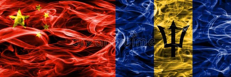 China contra las banderas del humo de Barbados colocadas de lado a lado ilustración del vector