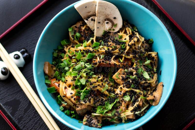 China-Lebensmittel mit Rindfleisch und Karotte stockfotos