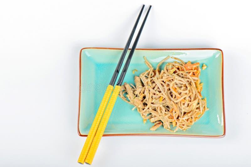 China-Nudeln mit Gemüse und Fleisch stockfotos