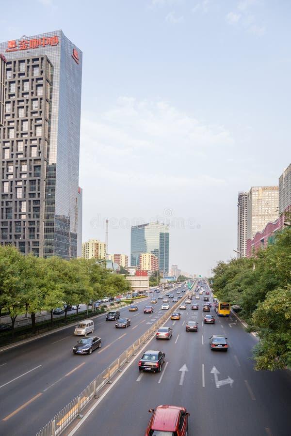 China, Pekín Avenida en el centro de ciudad foto de archivo