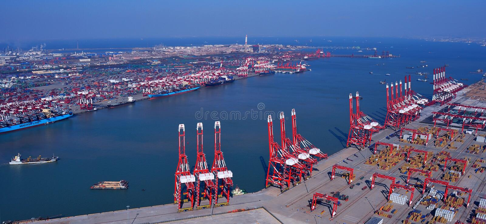 Download China Qingdao Port Container Terminal Editorial Photography - Image of parking, container: 29000777