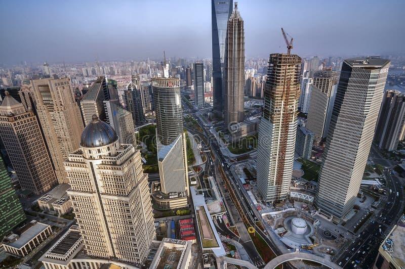 China, Shanghai Een mening van de wolkenkrabbers van Pudong-gebied royalty-vrije stock foto