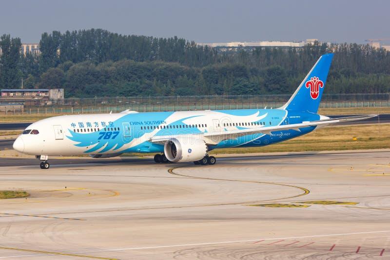 China Southern Airlines Boeing 787-9 Avião Dreamliner Aeroporto de Pequim fotos de stock royalty free