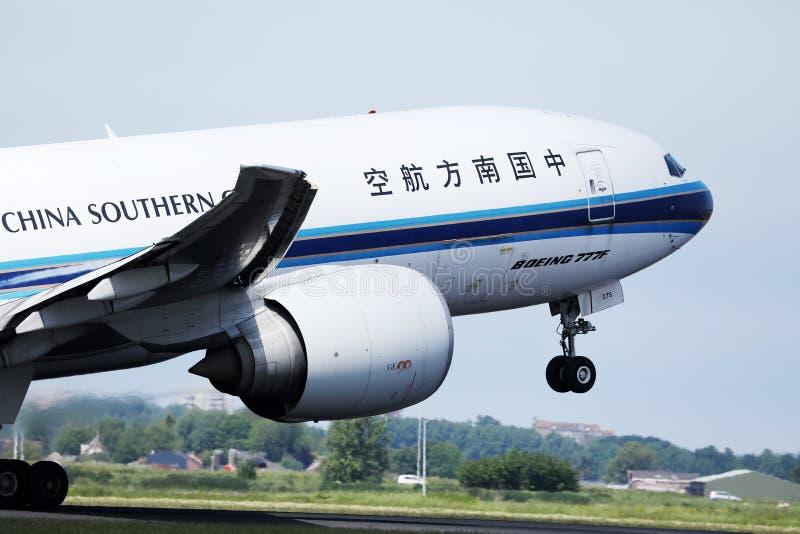 China Southern decola do Aeroporto Schiphol de Amsterdã, AMS fotografia de stock