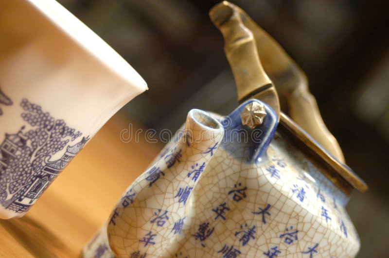 Download China Teapot And Cup Royalty Free Stock Image - Image: 724776
