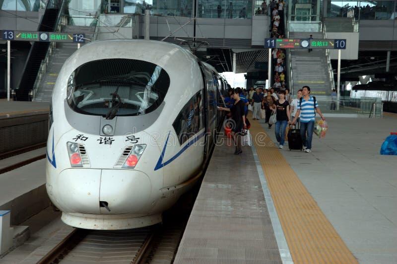 China - trenes rápidos en Guangzhou imagenes de archivo