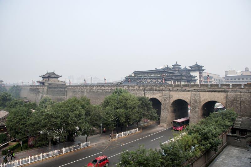 China: Xian-Stadtmauer lizenzfreie stockbilder