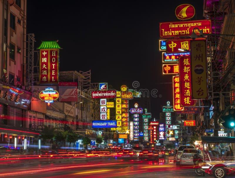 Chinatown, Bangkok, Thailand - April 15, 2018: Gelijk makend bij Chinatown, Yaowarat, beroemd straatvoedsel in Thailand, is China royalty-vrije stock afbeeldingen