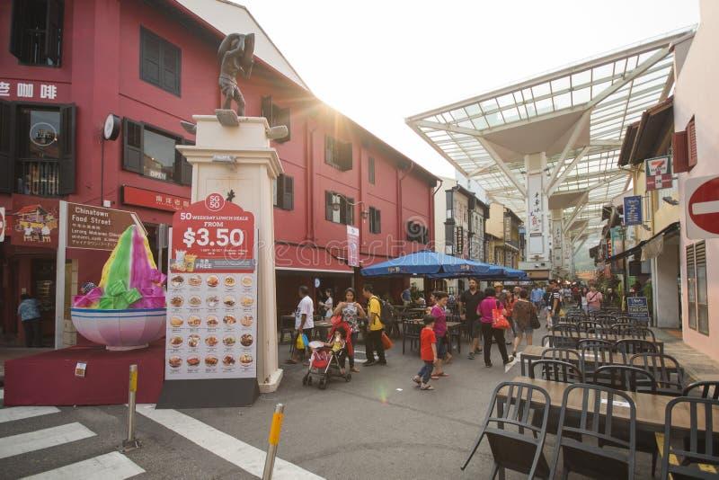 CHINATOWN, SINGAPORE - 12 OTTOBRE 2015: centro dell'alimento in Chinatow fotografie stock libere da diritti