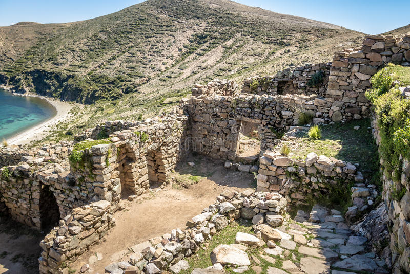 Chincana迷宫印加人废墟在Isla在Titicaca湖-玻利维亚的del Sol 免版税库存图片