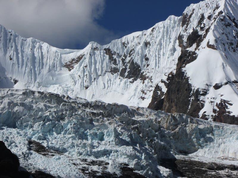 Chinchey szczyt i lodowiec, Huascaran park narodowy Peru fotografia stock