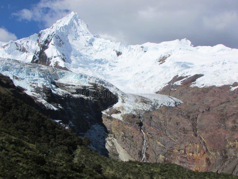 Chinchey szczyt i lodowiec, Huascaran park narodowy Peru obrazy royalty free